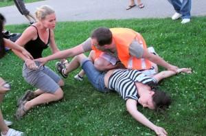 Zmatek na místě nehody - zážitkové teambuildingové kurzy první pomoci od PrPom — zážitková pedagogika