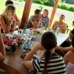 Zpětná vazba po zásahu — zážitkové teambuildingové kurzy první pomoci od PrPom — zážitková pedagogika