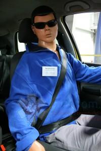 Ken Braveman v otočném simulátoru dopravní nehody