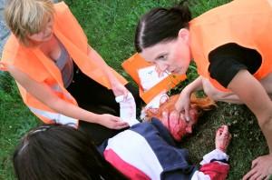 První pomoc učíme zážitkem - Školení BOZP a prvnípomoci - PrPom
