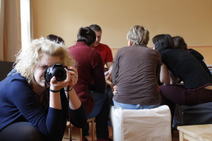 Profesionální fotograf na zážitkovém kurzu první pomoci - PrPom