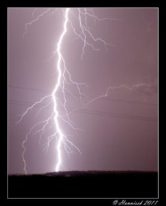 Mýtus č. 67 – Při bouřce si lehnu na zem, abych byl co nejníže
