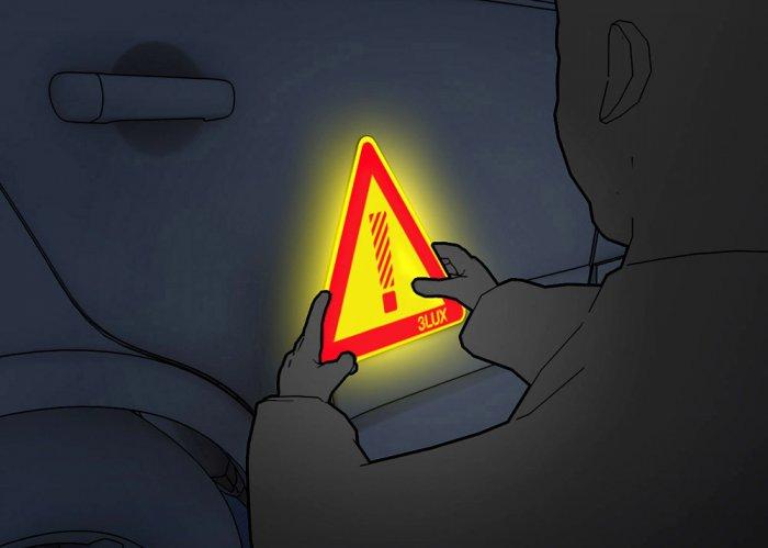 Reflexní trojúhelník trilux s magnetickou vrstvou — snadno jej umístíte na karoserii vozidla
