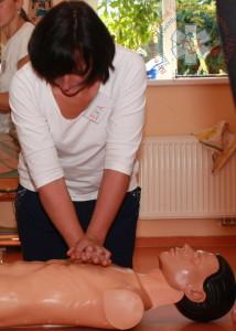 masáž srdce — jak resuscitovat — doporučené postupy KPR — PrPom