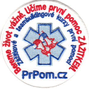 Nášivka PrPom — zážitkové a teambuildingové kurzy první pomoci